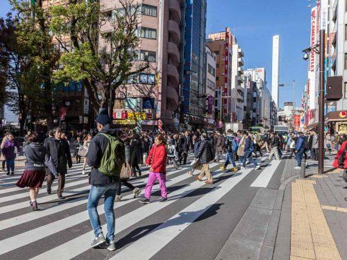 Ikebukuro uno dei quartieri più originali di Tokyo, cuore della vita quotidiana dei giapponesi, offre spunti per scatti diversi e originali.
